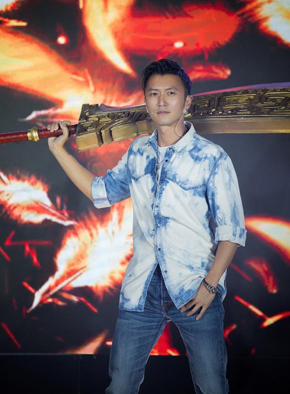 谢霆锋代言《传奇世界3D》手游完美契合